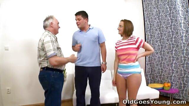 دیوانه, زن و شوهر سک با زن عمو