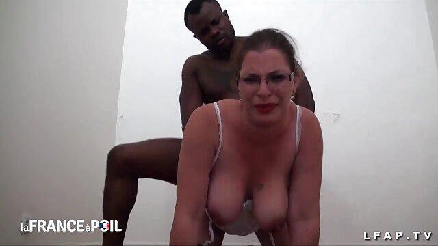 مرغ قرمز پر سر و صدا سکس با زن چاق